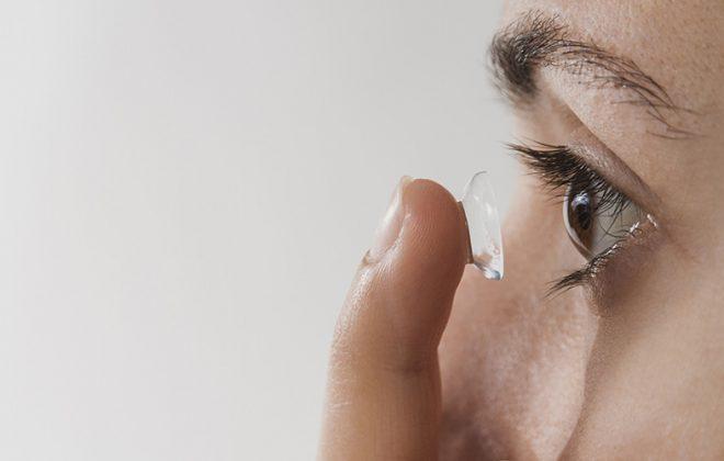 Usar lentes de contacto durante la pandemia del coronavirus