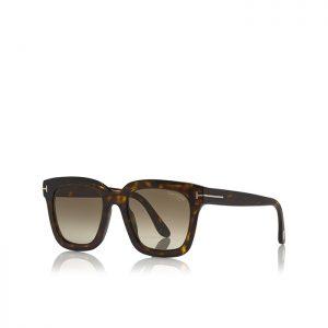 Tom Ford SARI: Gafas de sol cuadradas con montura de acetato, y decoración con logotipo 'T'.